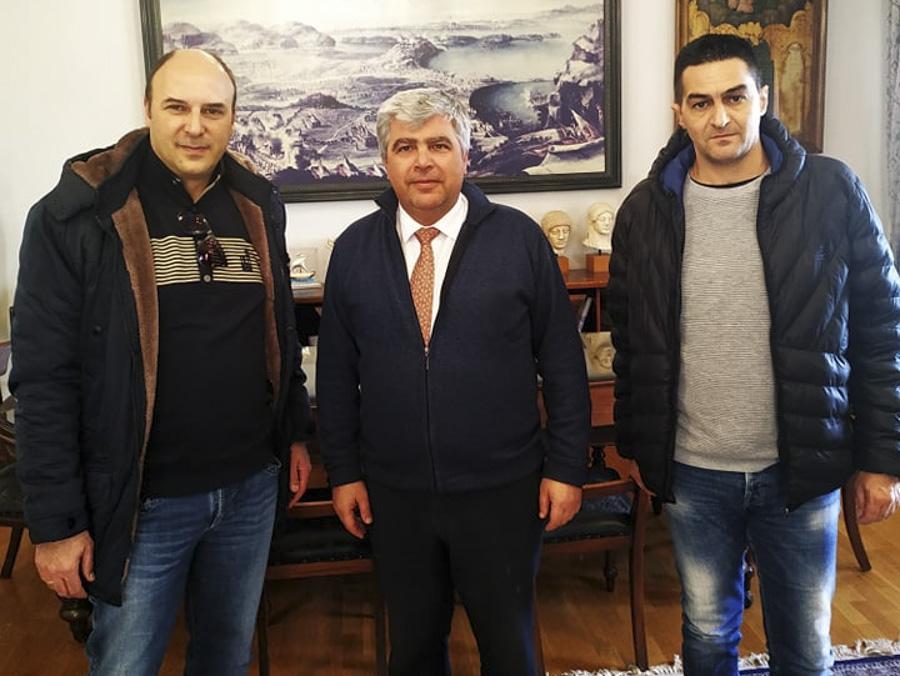 Πρέβεζα: Η αξιοποίηση των κλειστών στρατοπέδων στο επίκεντρο της συνάντησης της ΕΣΠΕΑΙΤ με το δήμαρχο Πρέβεζας