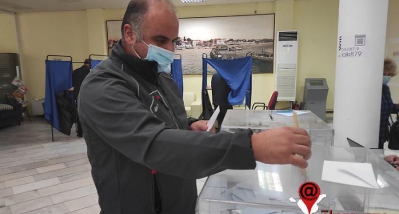 Σε εξέλιξη οι εσωκομματικές εκλογές στη Νέα Δημοκρατία και στο Ν. Πρέβεζας (pics)