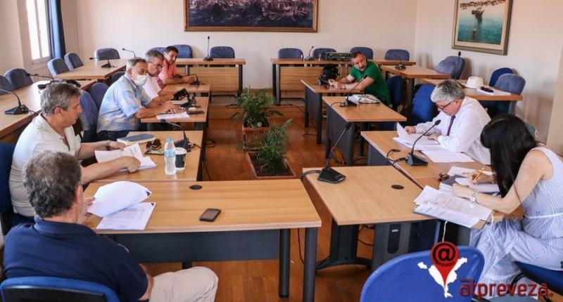 Πολιτικές ευθύνες στον πρώην Δήμαρχο Πρέβεζας επέρριψε ο Β. Ροπόκης για έργα που είχαν γίνει χωρίς αναθέσεις (pics)