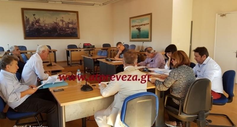 Χιλιάδες ευρώ από μισθώματα οφείλονται στο Δήμο Πρέβεζας από δημοτικό ακίνητο-φιλέτο