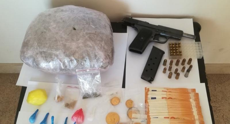 Εξαρθρώθηκε εγκληματική οργάνωση που δραστηριοποιούνταν στη συστηματική διακίνηση ναρκωτικών στην Πρέβεζα-11 συλλήψεις, περισσότερα από 70 άτομα στη δικογραφία